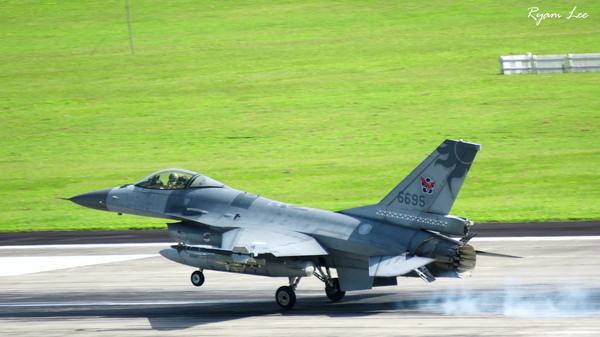 F-16.6695