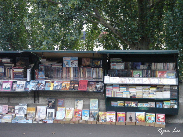路邊的書攤