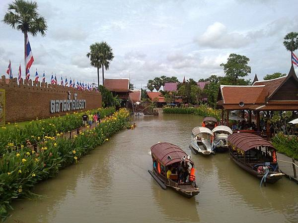 Ayutthaya Floating Market 阿育陀耶水上市場(圖片取自http:%2F%2Fdonmueangairportthai.com)