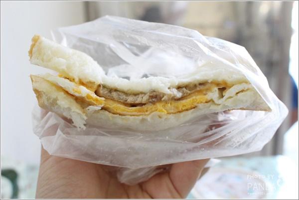晨吉司漢肉排蛋土司 (14)