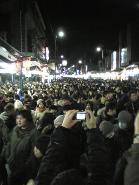 八阪神社前等午夜敲鐘