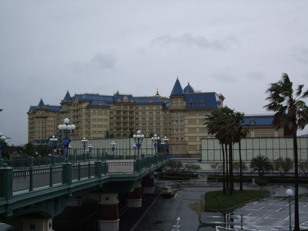 迪士尼飯店沒錢住拍拍也好