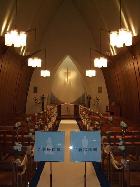 嗚哇~~第一次踏進結婚教堂!好有結婚的feel喔!