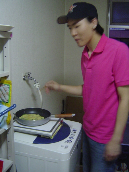 在洗衣機上面做菜,有沒有試過阿?