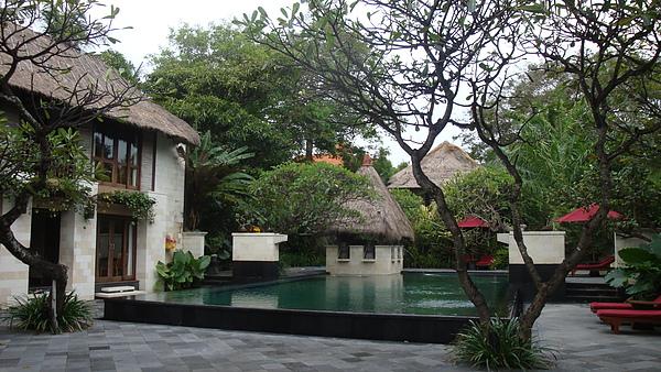 這是我門享用下午茶飯店裡的spa館外的造景,你說說美不美!?!?