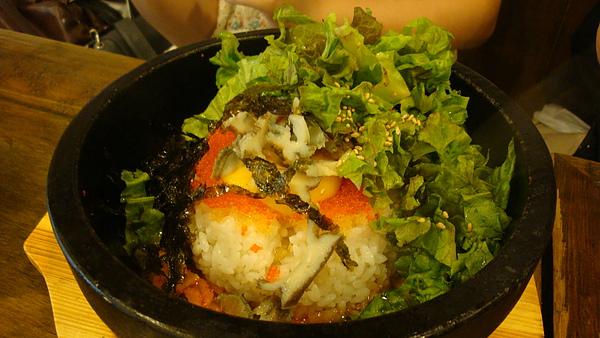魚卵石鍋拌飯