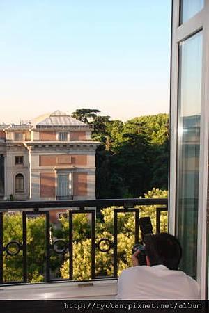 窗台外-普拉多美術館