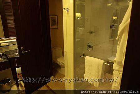 淋浴間 vs. 洗手間