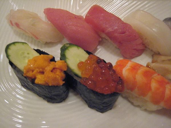 壽司清的壽司套餐之左半部分