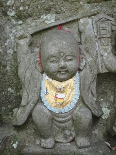 鞍馬寺前供奉的兒童地藏