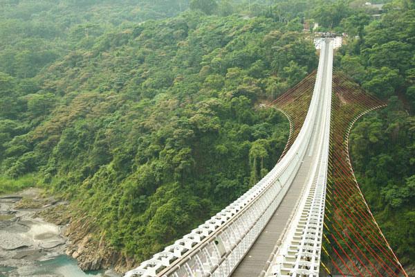 三地門山川琉璃吊橋