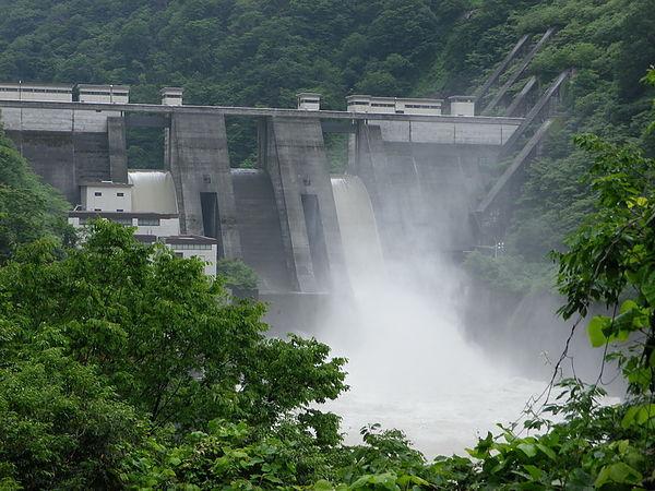 日本 宇奈月水壩 老男人拍攝