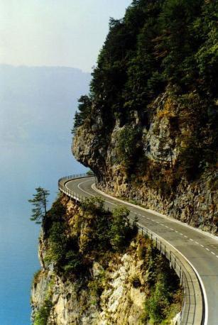 瑞士圖恩湖