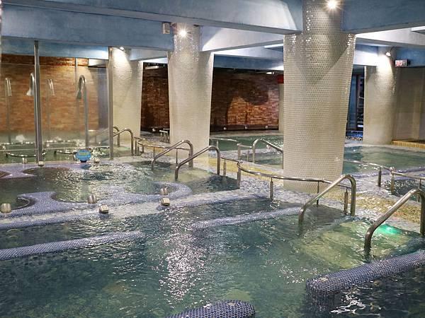 室內SPA水療區,雨天好去處。
