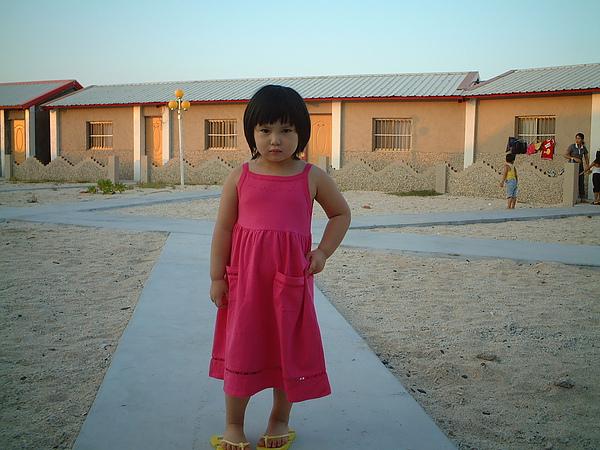 芳桂女兒於吉貝旅館.jpg