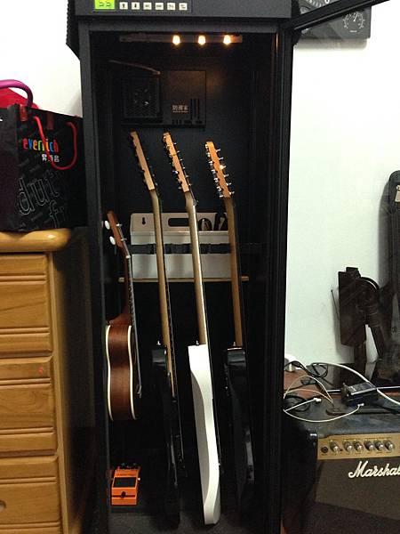 吉它防潮櫃