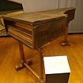 好舊好小台的鋼琴