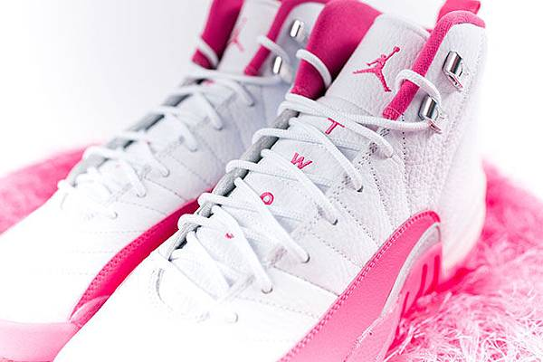 air-jordan-12-pink-white-2016-girls-3.jpg