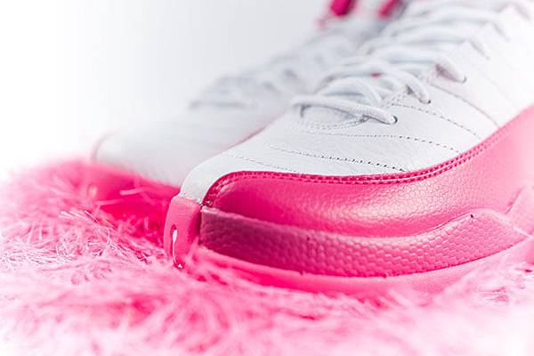 air-jordan-12-pink-white-2016-girls-2.jpg