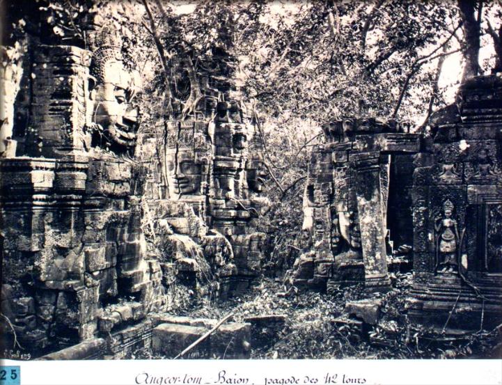 Angkor Thom. Le Bayon. Pagode des 42 tours