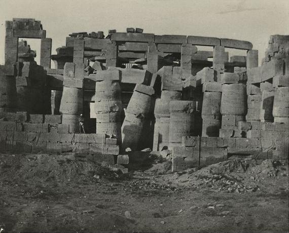 Thèbes. Palais de Karnak, salle hypostyle prise au nord, 1850