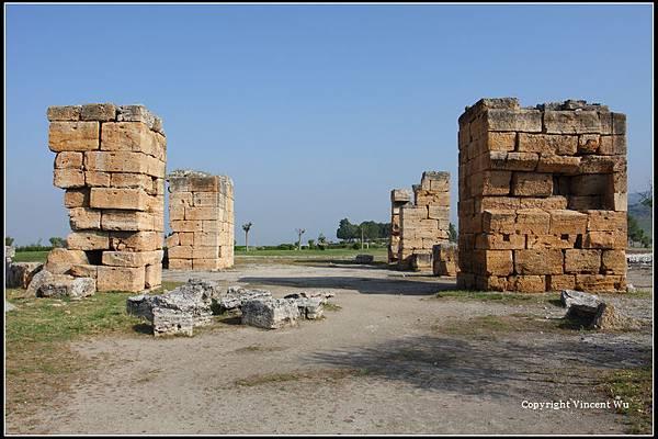 希拉波里斯古城(HIERAPOLIS ÖRENYERİ/HIERAPOLIS ARCHAEOLOGICAL SITE)05