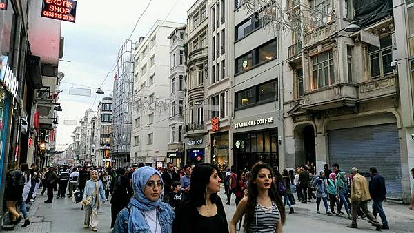 塔克辛廣場(TAKSİM MEYDANI/TAKSİM SQUARE)03