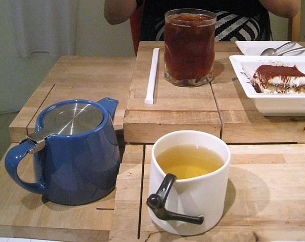Akuma caca 可可設計人文咖啡_03冰私房茶+舒活茶.jpg