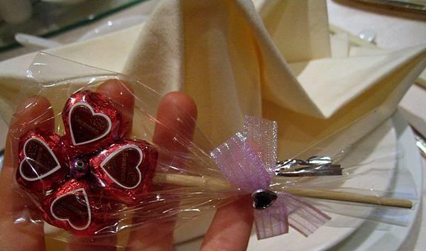 20110602婚宴_世貿聯誼社_03GIFT.jpg