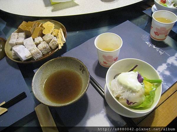 20110625_苗栗卓也小屋_02_主菜:田園沙拉+dessert.JPG