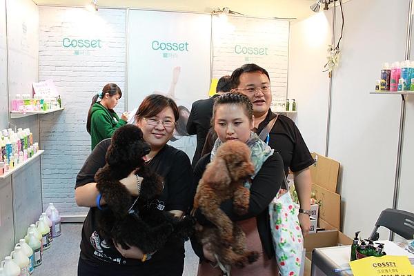 20101120_ 台北寵物用品展貴賓狗家族9.jpg