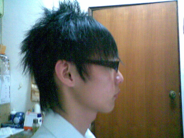 燙髮後的側面