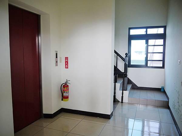 六樓電梯口