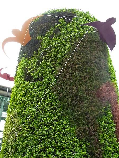 松山機場綠柱完成!