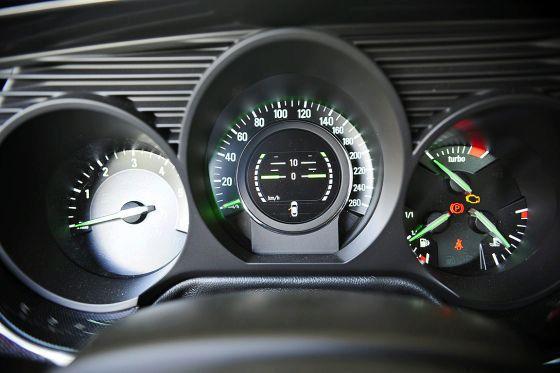 2010 Saab 9-5 official photos17.jpg