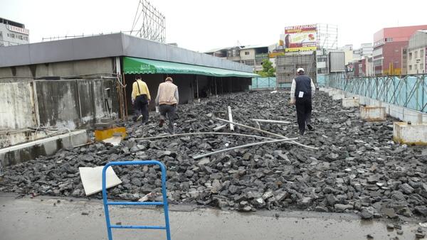 2月saab台中廠重建過程.jpg