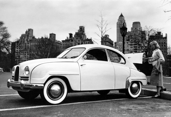 1955年saab_93_new_york_ny_1956_small美女.jpg