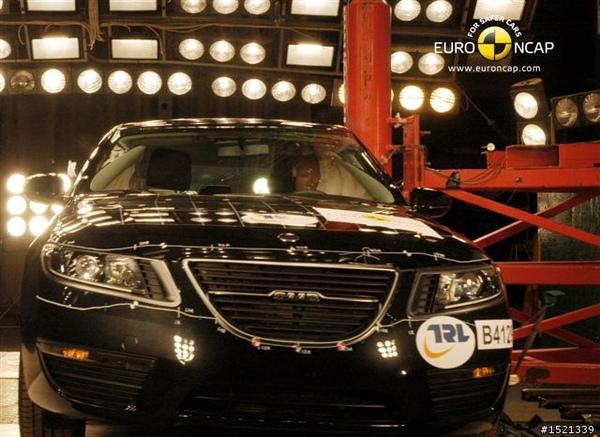 Saab All New 95獲EuroNcap撞擊測試5顆星2.jpg