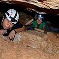 006-04-2013084-Crystal Cave-Newman.JPG
