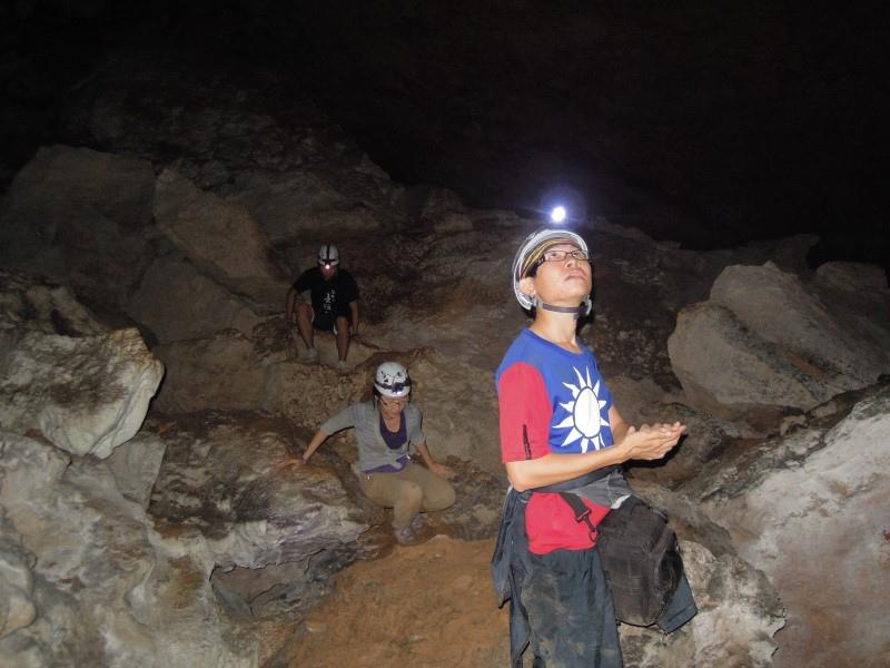 008-01-20130824-Crystal Cave-Sunny.JPG