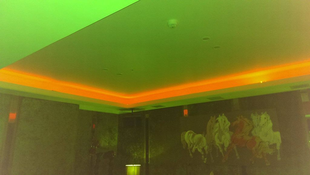 雲鼎酒店包廂天花板氣氛燈