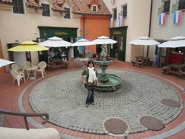 噴水池小廣場