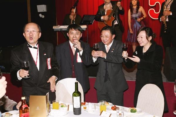 2009_0111 母社社慶花絮1.JPG
