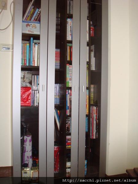 心愛的書櫃.jpg