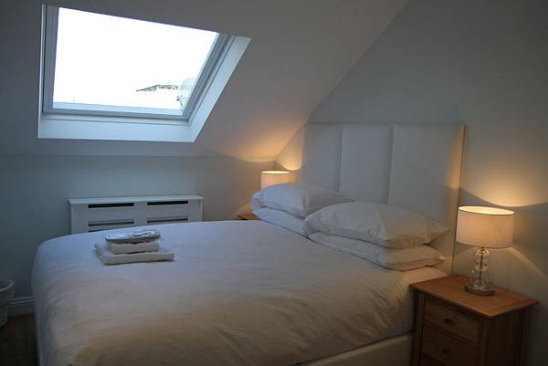Blue room A  27mar12
