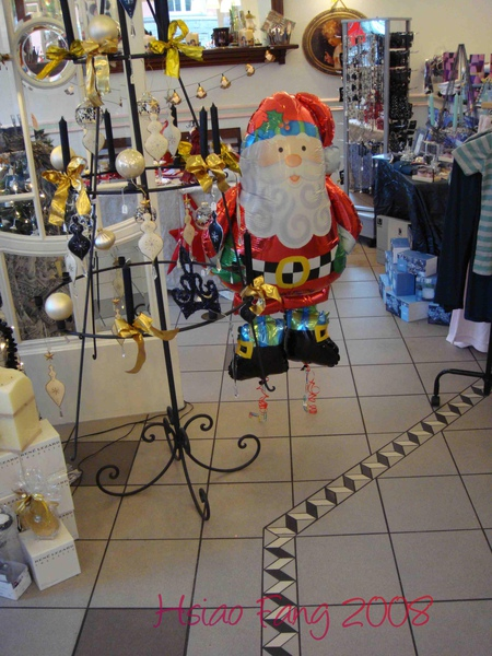 在Werden發現的超可愛爆貴聖誕老公....jpg