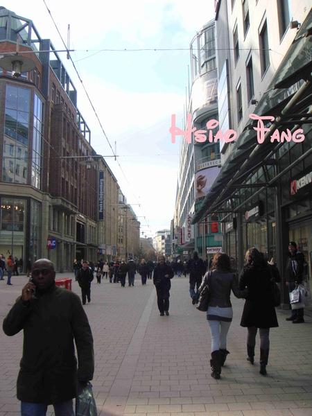 Hamburg車站前購物大道.jpg