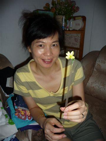 和小花拍一張吧