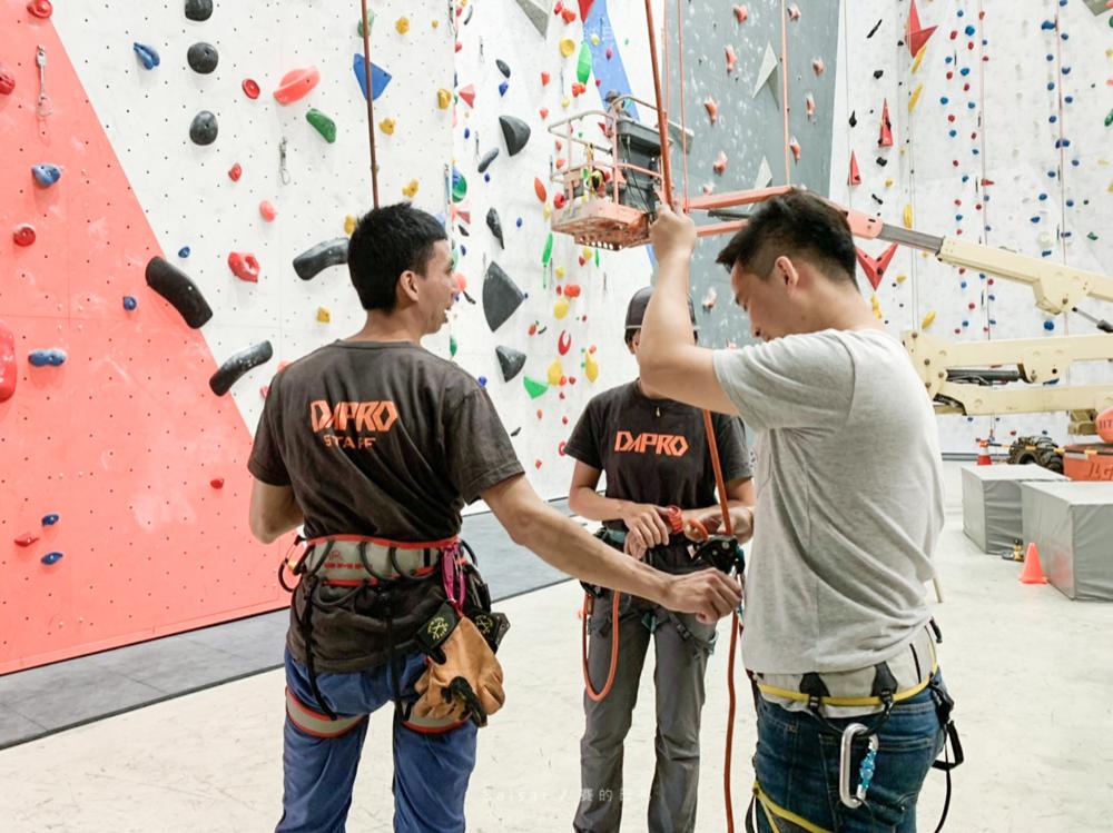 台中攀岩場 Dapro indoor climbing 攀岩課程 台中健身房推薦 停車場 賽的札-22.png