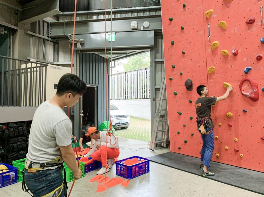 台中攀岩場 Dapro indoor climbing 攀岩課程 台中健身房推薦 停車場 賽的札-23.png
